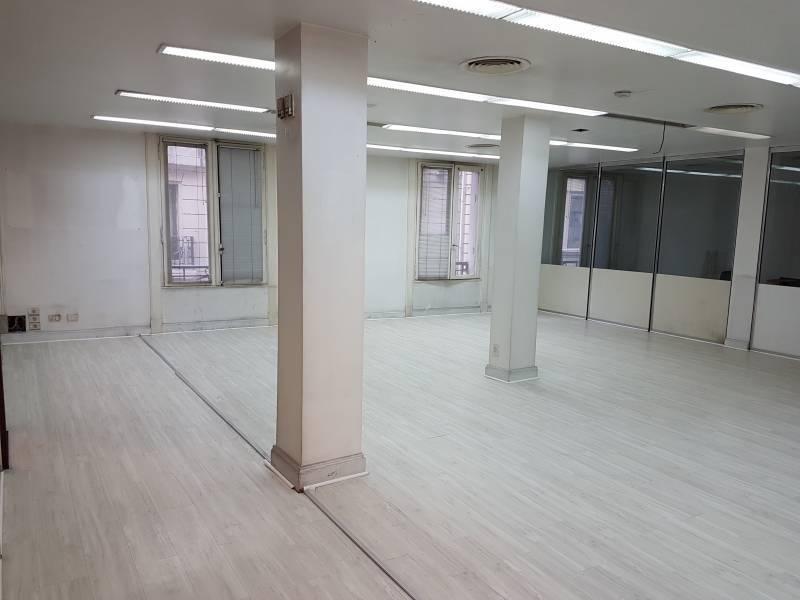 oficina en clásico edificio de microcentro.