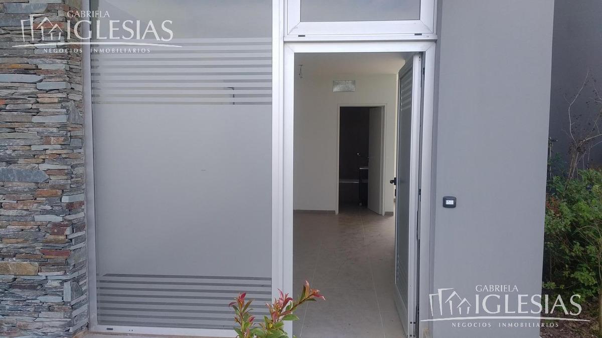 oficina en delta 8 venta con renta