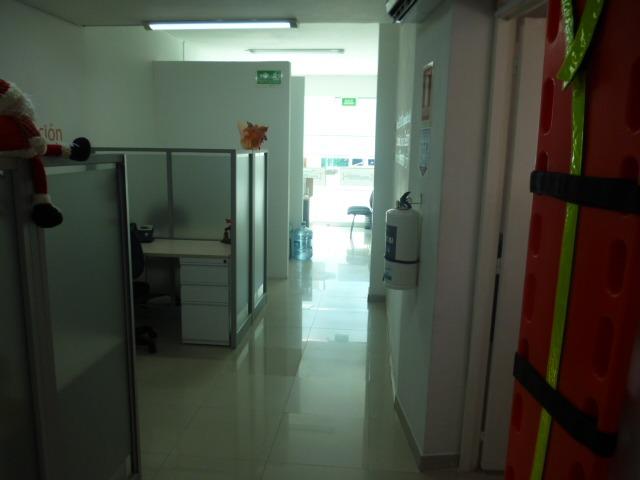 oficina en excelente sector comercial