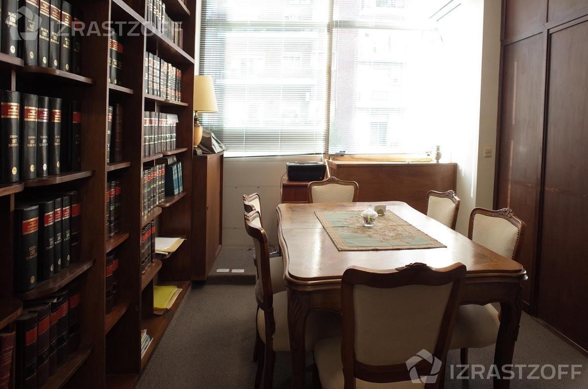 oficina en excelente ubicación.