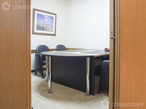 oficina en excelente ubicación. planta libre original.