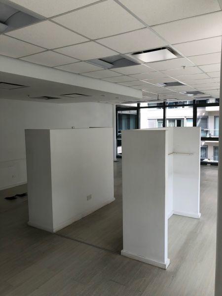 oficina en madero center - 2 cocheras