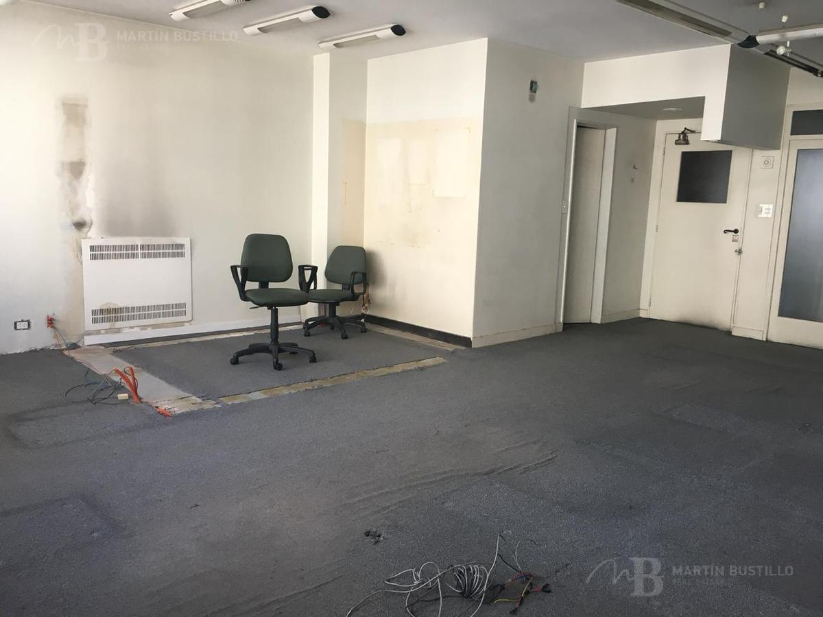 oficina - en microcentro lavalle y reconquista