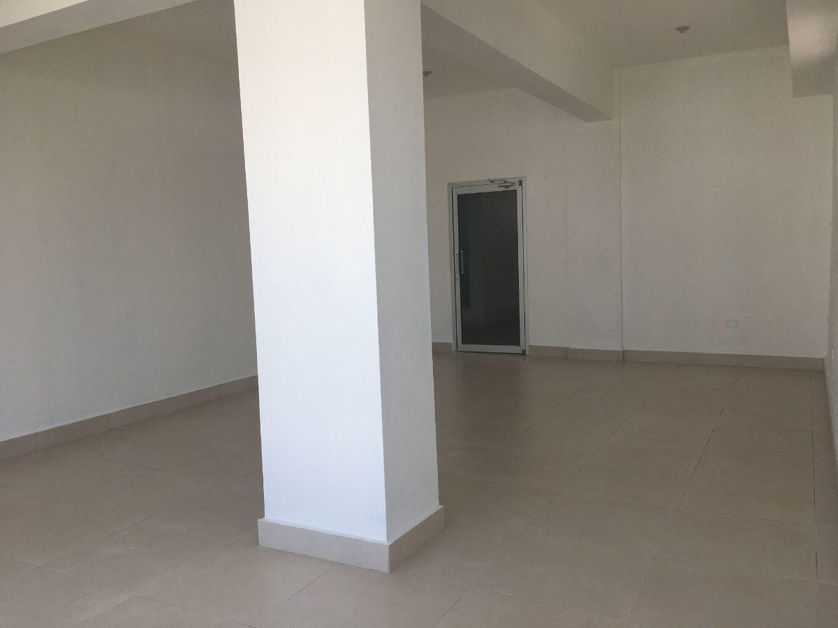oficina en naco de 40 m2 en el tercer nivel