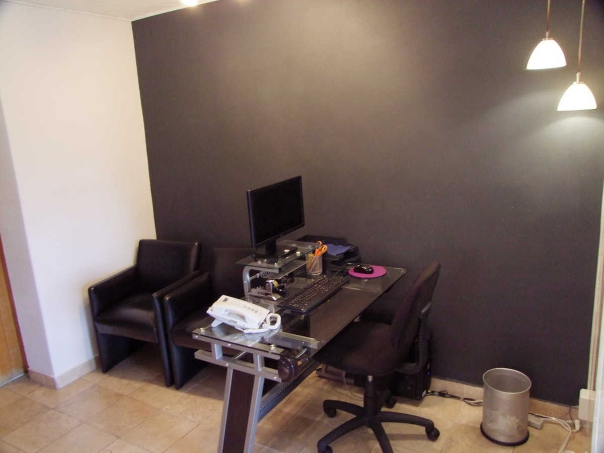 oficina en parques del pedregal. 65 m2, 2 baños, 1 est.