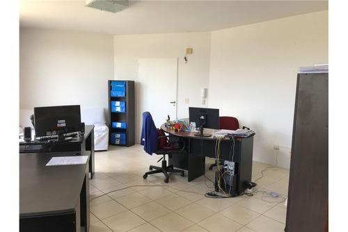 oficina en pilar excelente ubicación