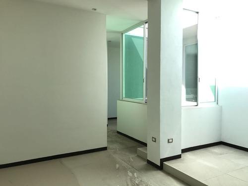 oficina en planta alta en renta en domingo arrieta