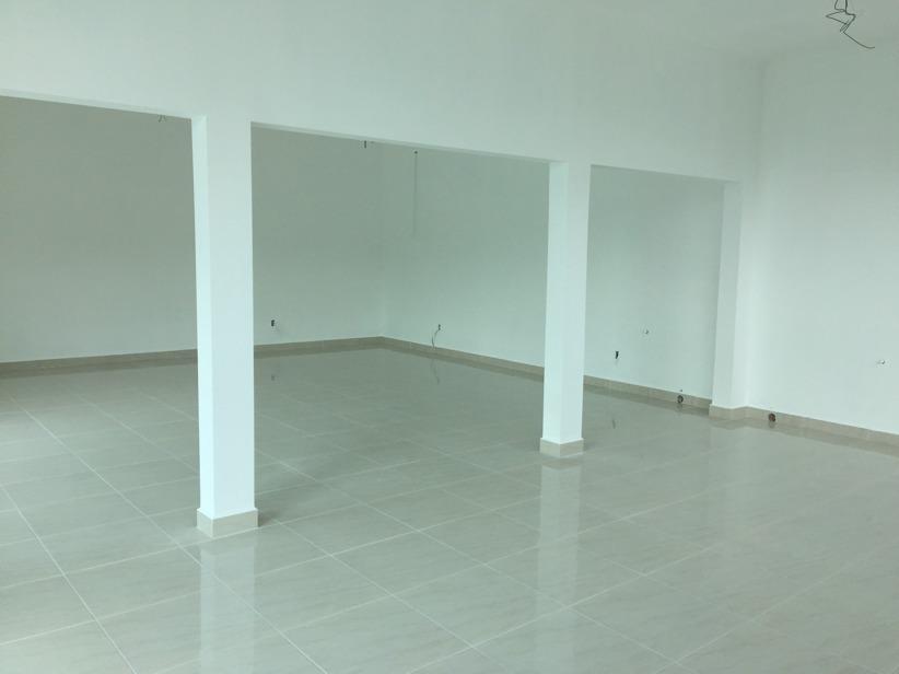 oficina en planta baja en bussines center en centro sur