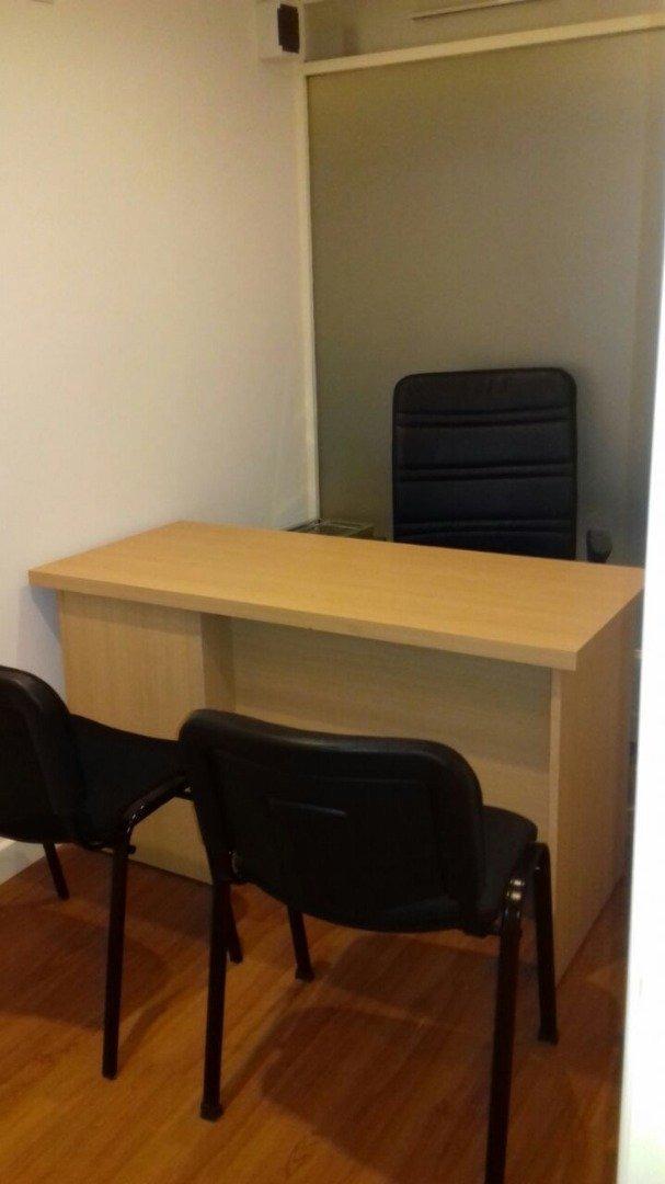 oficina en primer piso de la galería sacoa