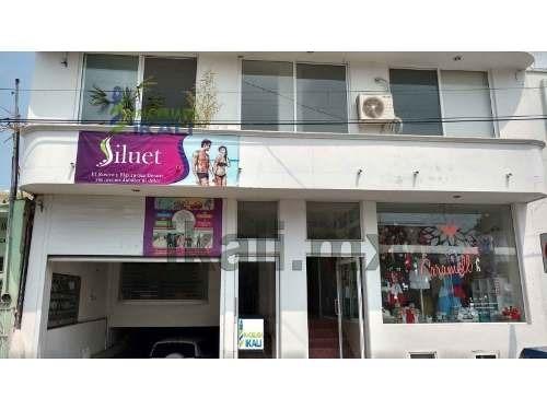 oficina en renta centro de tuxpan, veracruz planta alta, con vista a la calle, se encuentra ubicada en la calle allende 18 en un edificio nuevo, a unos metros del parque reforma, telmex, salinas y ro