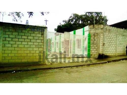 oficina en renta colonia guadalupe victoria poza rica, se encuentra ubicado en la calle benito juárez # 41 de la colonia guadalupe victoria, cuenta con 800 m² de terreno y 120 m² de construcción, la