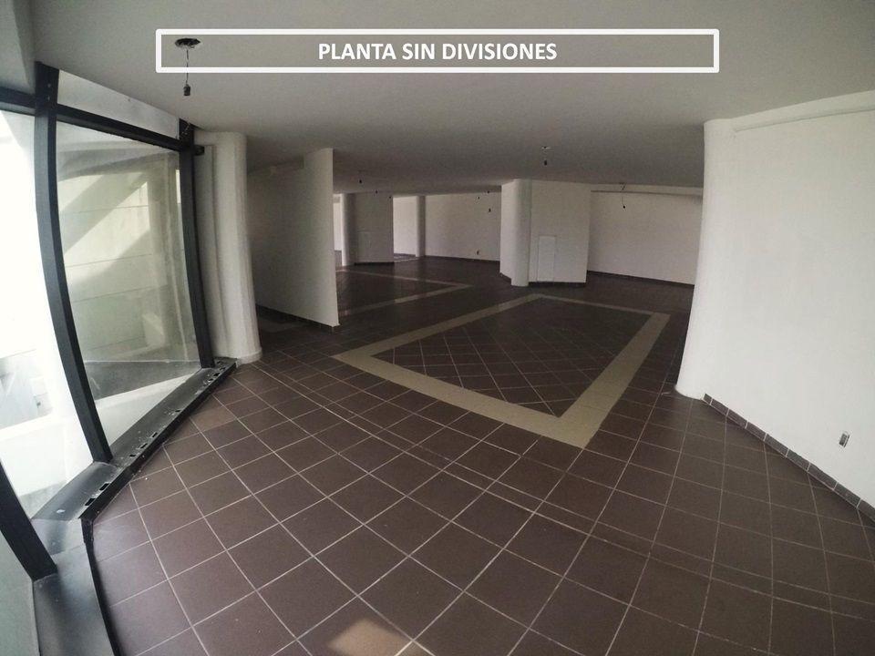 oficina en renta en avenida principal con muchísimo estacionamiento
