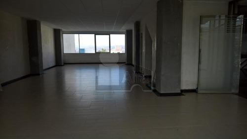 oficina en renta en colinas del cimatario en zona corporativa y comercial, cerca de centro cívico.