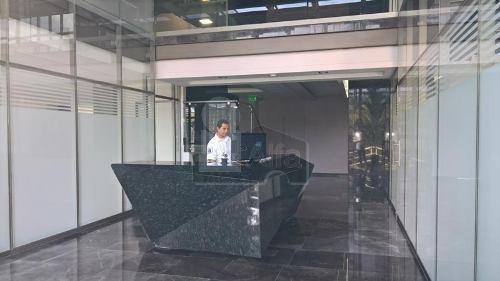 oficina en renta en colinas del cimatario en zona corporativa y comercial, cerca de centro civico
