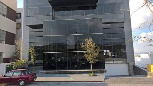 oficina en renta en colinas del comatario con recepcion en zona corporativa y comercial