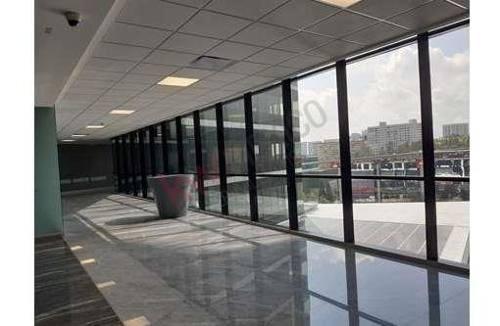 oficina en renta en desarrollo the point santa fe de 7,542 usd con 91 mts de terraza