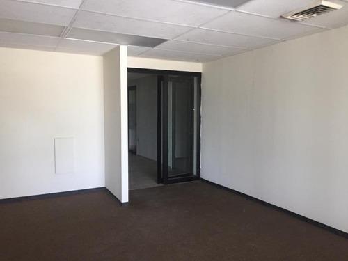 oficina en renta en loma larga