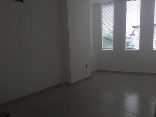 oficina en renta en plaza comercial céntrica 190m2