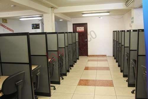 oficina en renta ideal para call center o industria ligera.