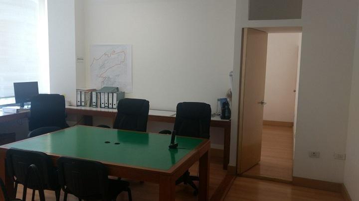 oficina en renta semiamueblada o sin amueblar en haus santa fe