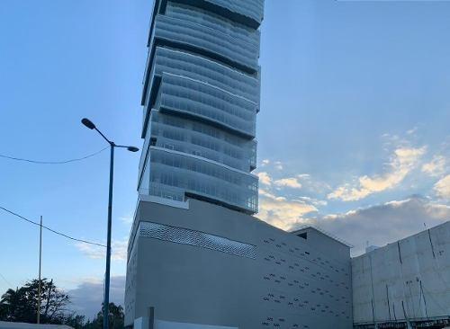 oficina en super precio en renta frente al mar en torre exer