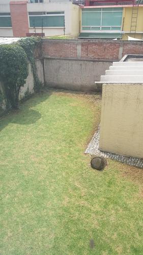 oficina en un piso con jardin