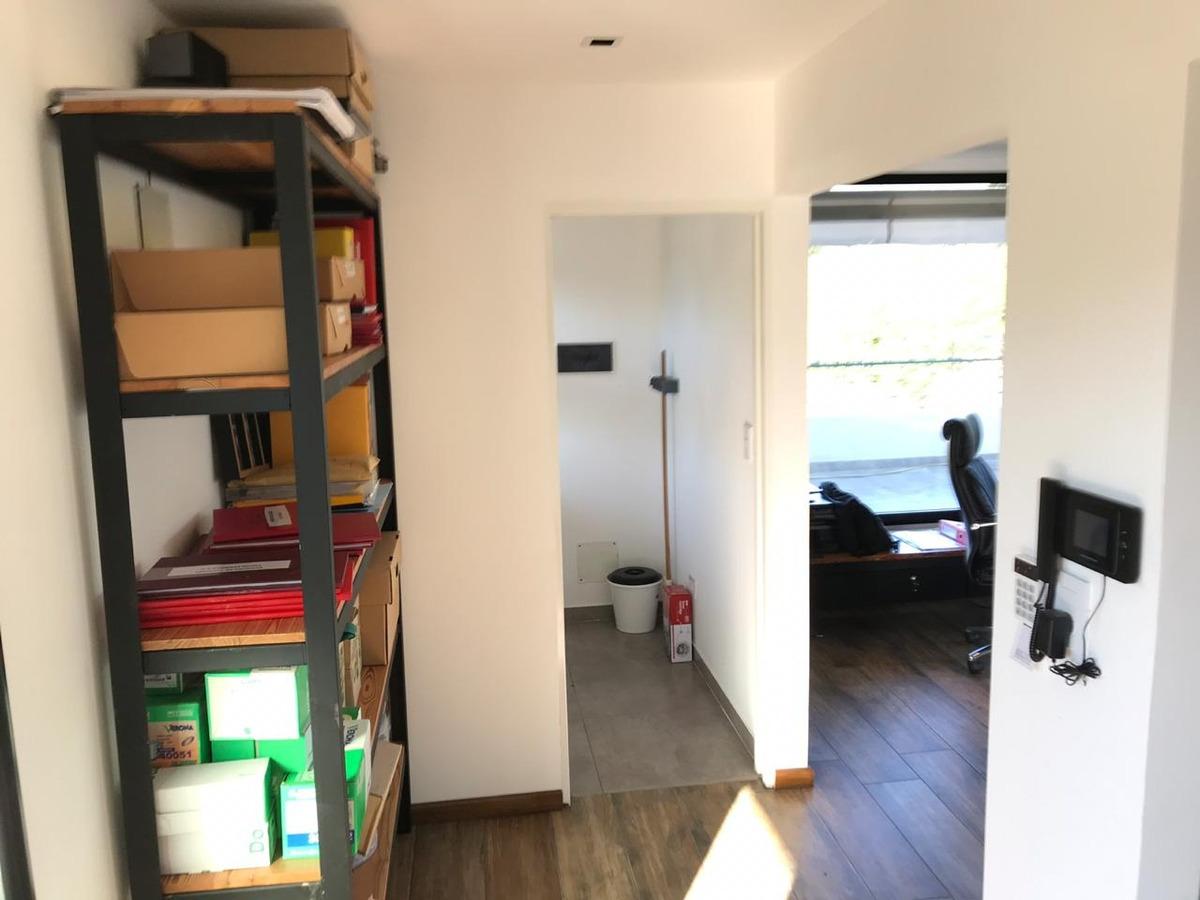 oficina en venta - calle arana y 21 d - cochera descubierta
