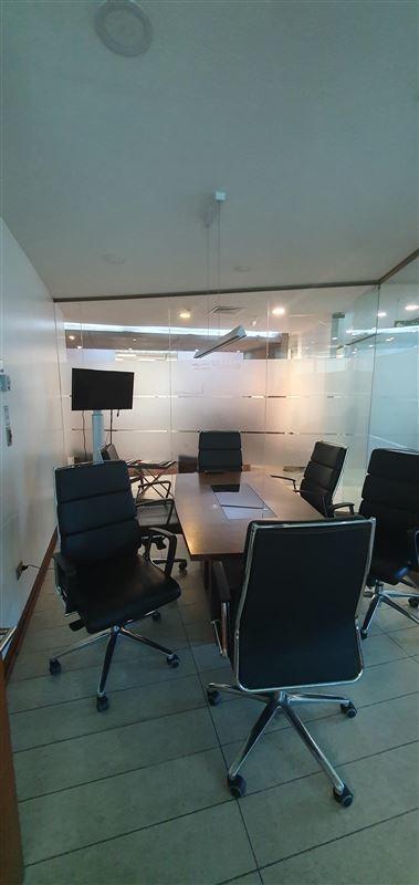 oficina en venta de 10 privados en providencia