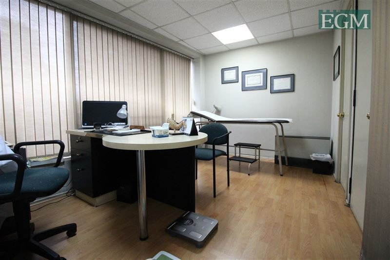 oficina en venta de 3 privados en providencia