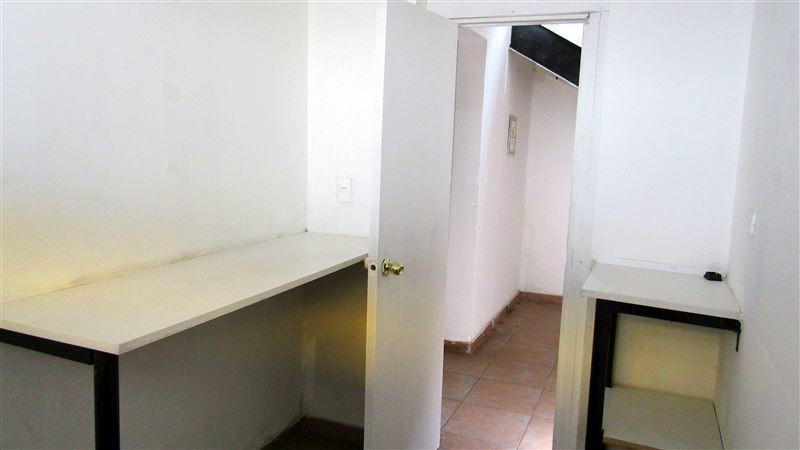 oficina en venta de 5 privados en san miguel