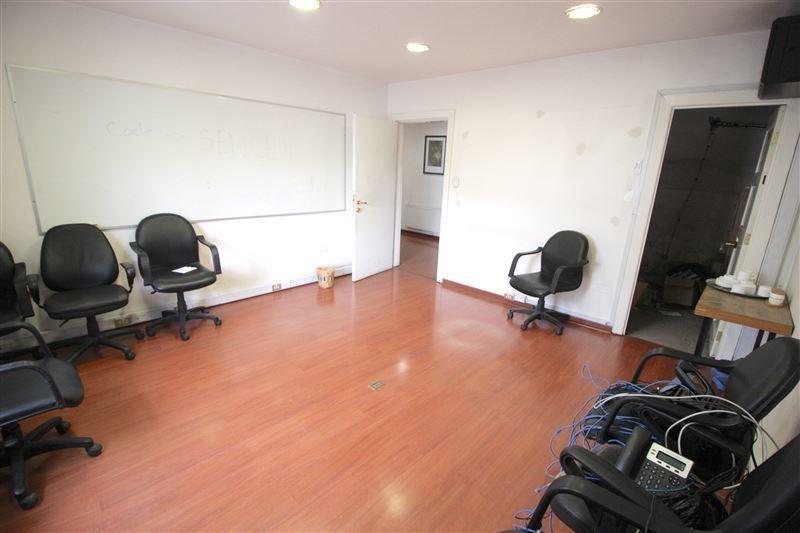 oficina en venta de 7 privados en providencia