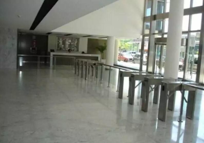 oficina en venta en pesos   madero center, juana manso 555