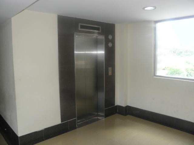 oficina en venta la trigaleña pt 19-14794 tlf.0241-825.57.06