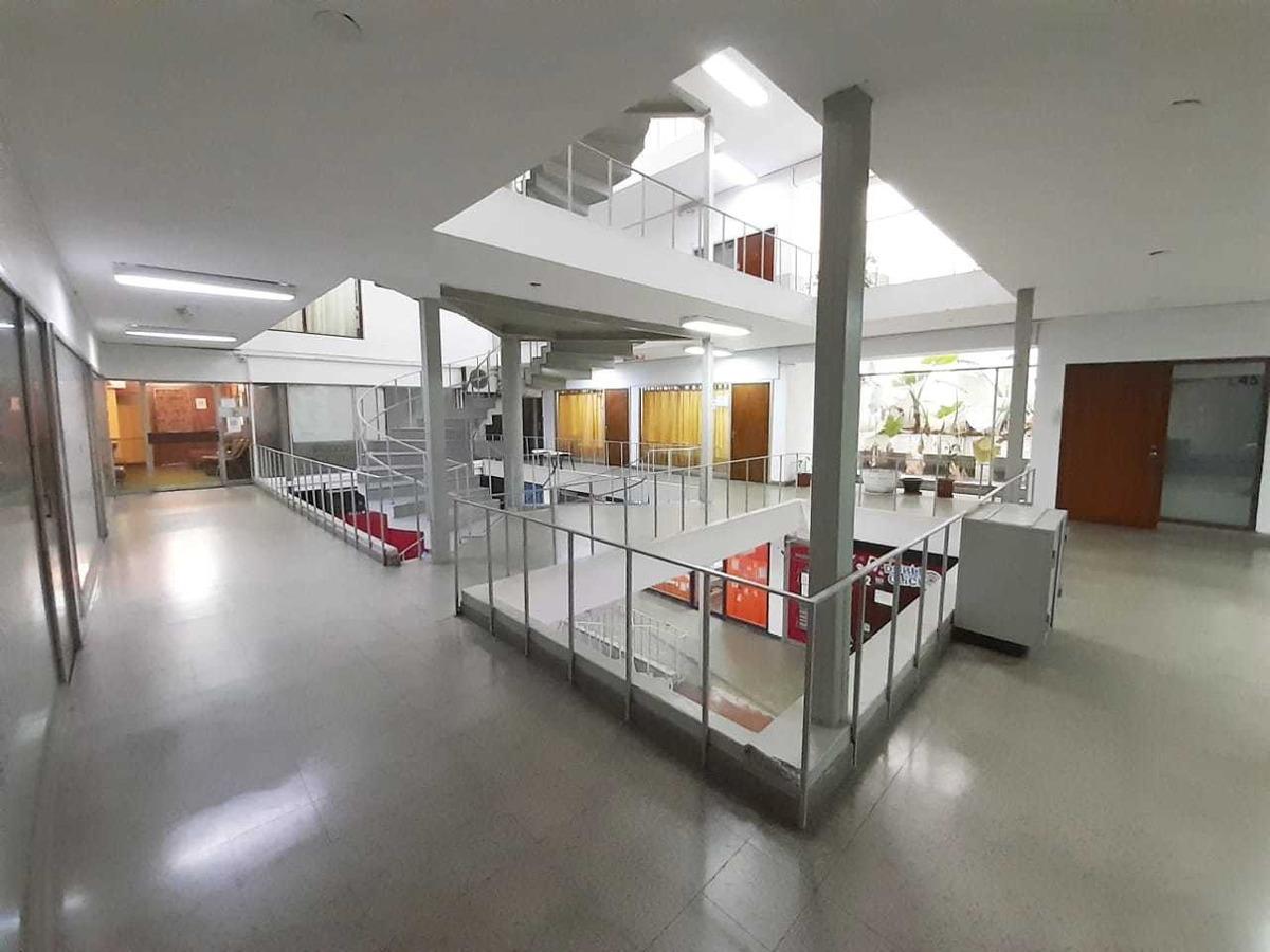 oficina en venta pleno centro galería comercial peatonal