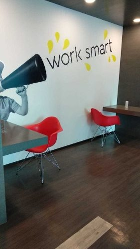 oficina equipada con servicios todos los servicios para 2 a 5 personas.