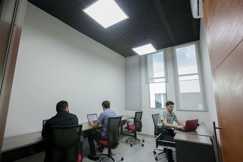 oficina equipada en business center, para hasta 6 personas