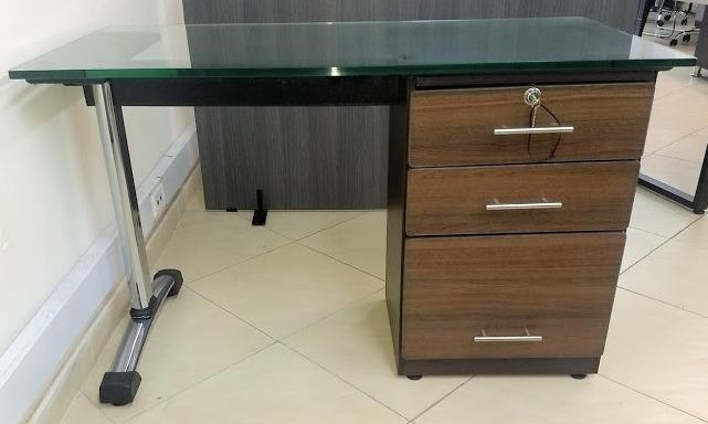 Oficina escritorio muebles oficinas modernas for Muebles de oficina mercado libre