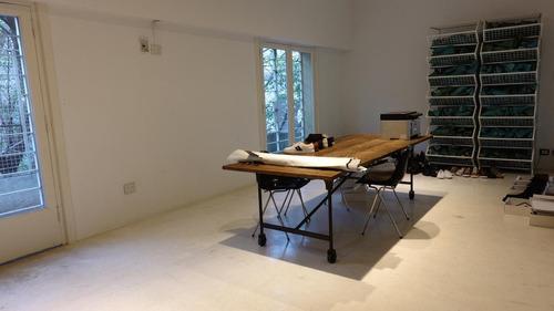 oficina moderna en ph frente a los lofts  de darwin  al 1100