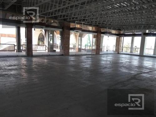 oficina o local comercial en renta en planta alta en plaza del mariachi