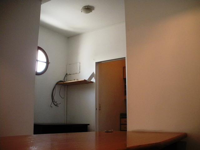 oficina piso 10º con balcón!
