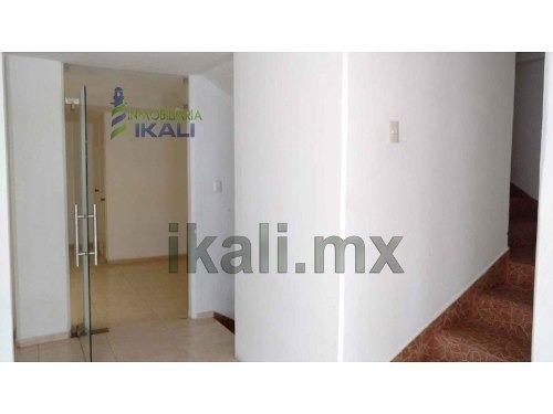 oficina renta centro tuxpan veracruz planta baja 22 m², se encuentra ubicada en la calle allende 18 en un edificio nuevo, a unos metros del parque reforma, telmex, salinas y rocha, etc. cuenta con 25