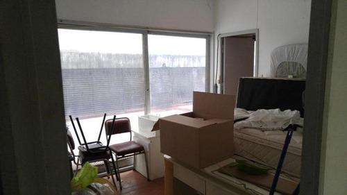 oficina sarmiento y montevideo 70 m2 cub + 60 m2 desc cochera fija