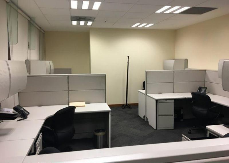 oficina semi acondicionada en renta - bosques del valle