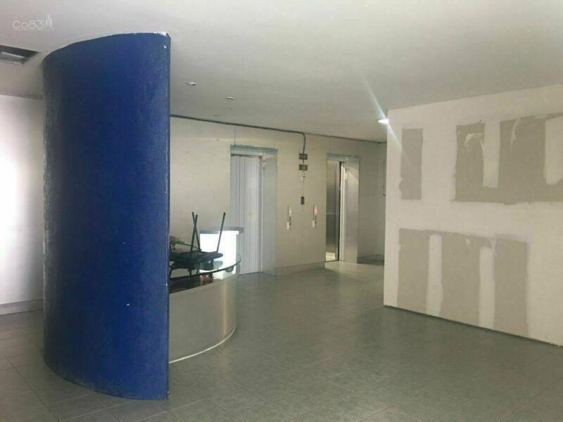 oficina semi acondicionada en renta - del valle