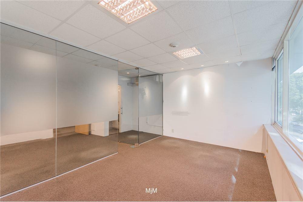 oficina wtc 34 m2 al frente, garage.