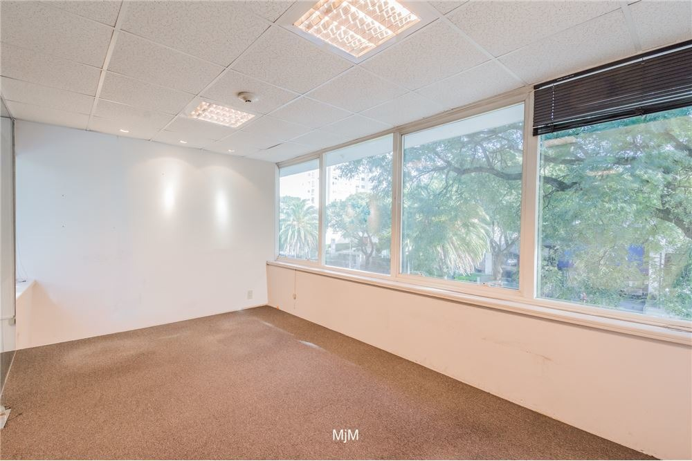 oficina wtc 34 m2 al frente, garaje.