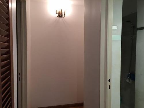 oficina/consultorio en venta en colegiales 102 m2 con patio