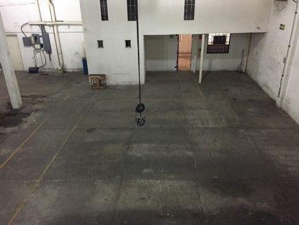 oficinas 3 niveles con bodega o nave anexa