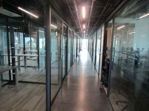 oficinas amuebladas en periferico y acueducto