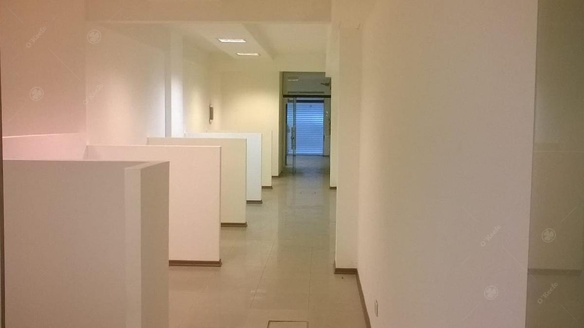 oficinas comerciales en alquiler / venta  c/ cocheras zona barracas - caba